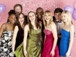 photo_5517105_group-of-teenage-friends-dressed-for-prom-1